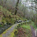 Ruta por el canal de agua