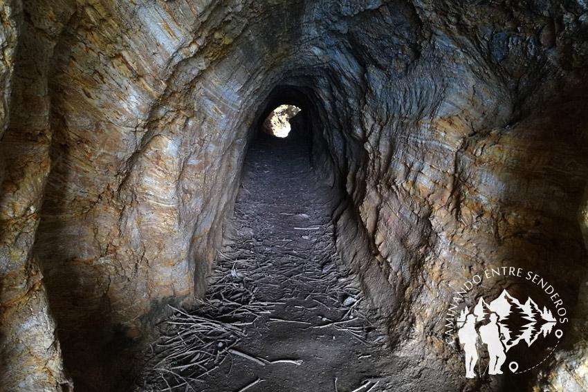 Túnel Cueva de la Doncella (O Vicedo)