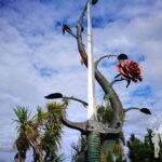 Escultura La espada y la rosa